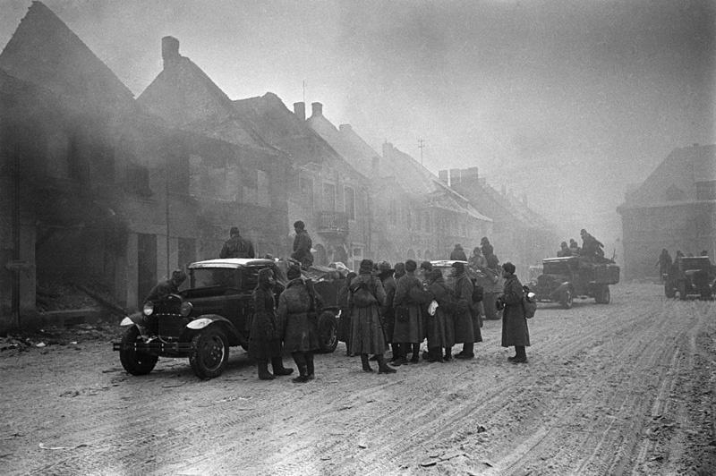 Передовая колонна советских войск в Толькемите. 26 января 1945 г. Фото из интернета.