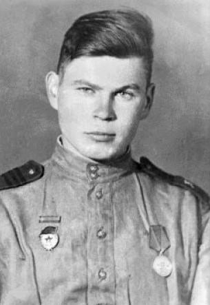 Юрий Семенович Белаш (1920—1988) Фото времён войны.
