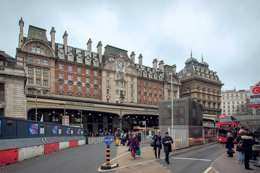 london-victoria-railway-station.jpg