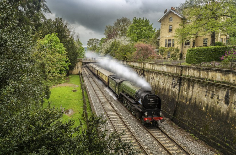 tornado-steam-train-and-pullman-carriages-through-bath-large-1024x673.jpg